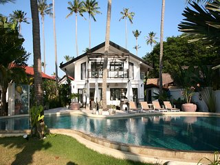 Beachfront Pool Villa with great sunset views, Ko Lanta