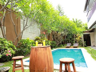 Villa Anggrek 3BR for 8 people big pool Central Seminyak