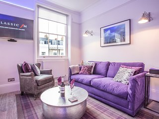 The Alderney - luxurious one-bedroom apartment in Zone 1 (sleeps 4)