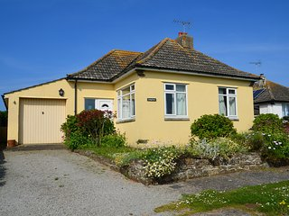 Comfortable house all on one level a short walk from the beach, Widemouth Bay