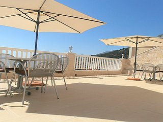* Villa Bonaca - luxury apartment with sea view, Baska Voda