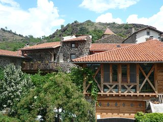 maison du xv eme s au village de cheyrac à 1 km de polignac/10mn du puy envelay, Polignac