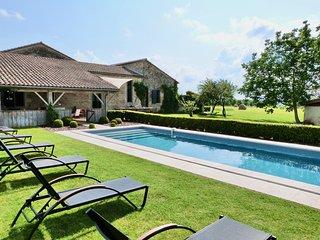 Baleyssagues Villa Sleeps 10 with WiFi - 5238400