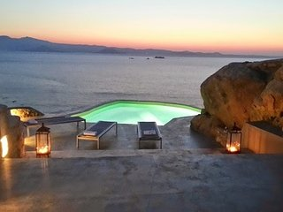 Luxury SeaFront villa, most beautiful site Naxos Cyclades,little piece of heaven
