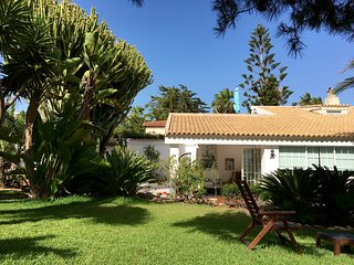 Modern&cosy  Villa in mediterranean oasis , 30 mt from the sea  with wi fi