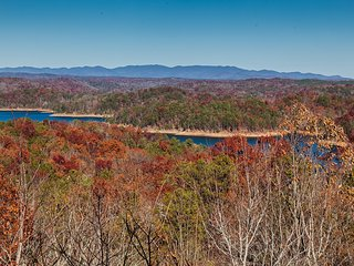 A View To Remember - Stunning Water & Mtn Views, Ellijay