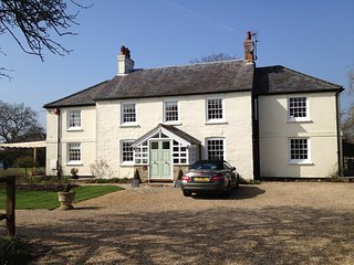 Quiet, spacious, modernised Grade 2 listed house in 3 acres near Chilterns, Princes Risborough