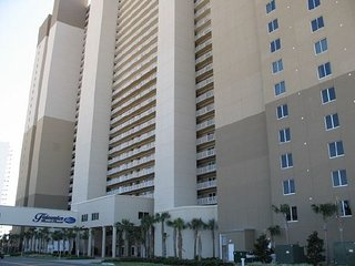 Gulf front condo 2 bedroom 3 bath sleeps 8 great views, Panama City Beach