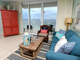 Gulf Front 1 bedroom 1 Bath Luxury throughout.
