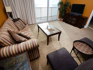 Beautiful Gulf front master on the beach 1 bedroom 2 bath (sleeps 6) RENT NOW