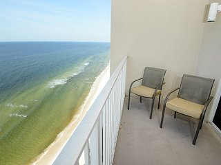 Newley Renovated  Great 2bedroom 3 bath condo Sleeps 8 1/2 MILE  to Pier Park, Panama City Beach