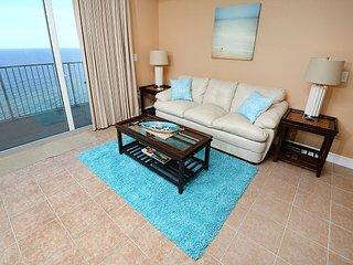 Newley Renovated  Great 2bedroom 3 bath condo Sleeps 8 1/2 MILE  to Pier Park