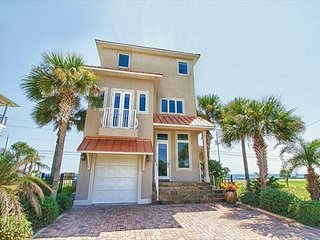 3 story Gulf front home 3 bedroom 3 bath sleeps 10 with Private Heated pool