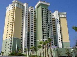 Gulf front 2 bedroom 2 bath plus bunk room sleeps 8 BW1108, Panama City Beach