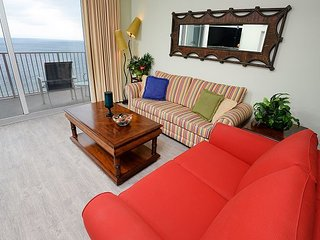 Gulf front 3 bedroom 3 bath - FREE BEACH SERVICE thru 10/31/17 - sleeps 10