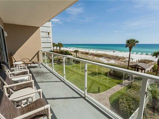 Sterling Sands - Two Bedroom Apartment with Ocean View