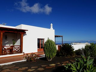 Villa El Mojon with private pool in Teguise