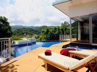 Modern 4-Bed Pool Villa in Kamala