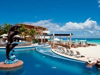 Stunning Ocean Front 2 bed, Private Beach Club