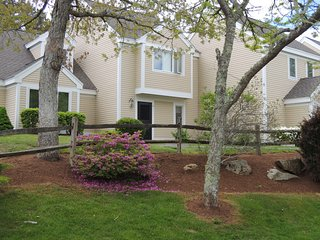 Ocean Edge Townhouse - Perfect Family Getaway, Brewster