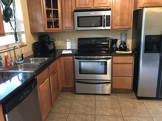 CORPORATE APARTMENT, 2/1 FURNISHED, WIFI, GATED, DESIGNER UNIT