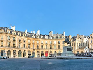 Luxury apartment on the Place des Victoires