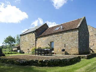 Dale House Barn Conversion/ 5*Gold Award/4 Bedroom/bathroom/shower room, Danby
