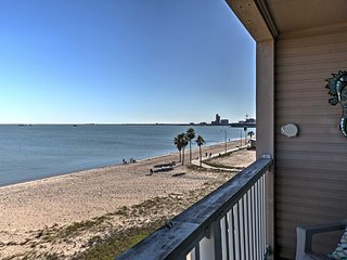 NEW! 'Surfside Suite' 1BR Corpus Christi Condo!
