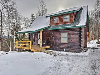NEW! Charming 2BR Williamstown Cabin on 70+ Acres!