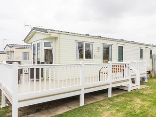 Ref 20213  8 berth beautiful caravan at Broadland sands with decking/pets.