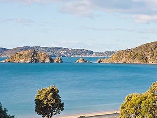 Stunning sea views-private-fully equipped-spotless, Paihia