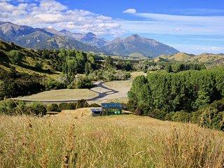 Kahutara PurePod - luxurious glass eco-cabin in stunning & remote NZ location, Kaikoura