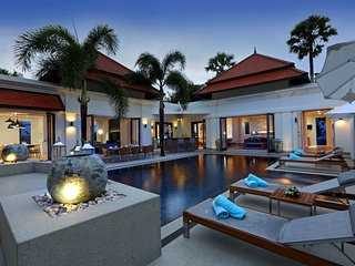 Luxurious Pool Villa