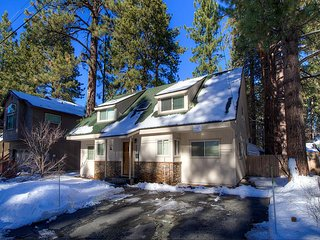Gorgeous 5 BR Remodeled Home, 5 Minutes to Beaches! ~ RA61063, South Lake Tahoe