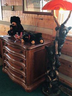 Beautiful black bear art lamp decor