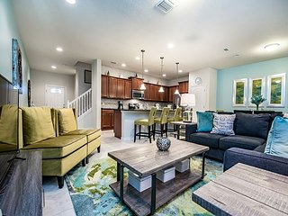 Enjoy your vacation in this luxurious 4 bedroom townhome!