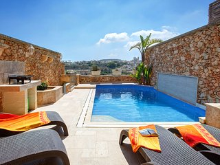 Carini Farmhouses Gozo, Gharb