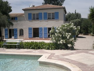 Beautiful Five Bedroom Provencal Villa with Pool near To Beach & Port Grimaud