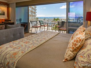 Ilikai 404 Ocean / Sunset / Marina  Views King Bed, Sofa Bed