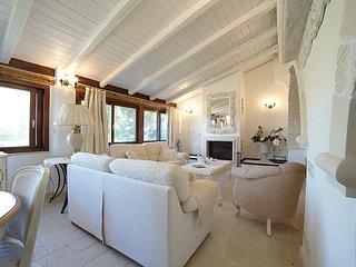 Elegant villa just 100mt form the sandy beach, Fontane Bianche