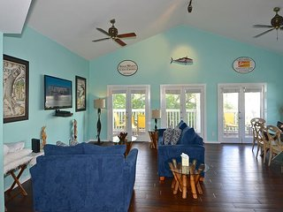 Casa Key West - Updated Duval St Condo w/ Pool Access & Private Parking, Cayo Hueso (Key West)