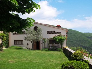 Country villa with pool and wonderful view, Loro Ciuffenna