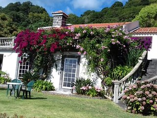 Rustic Villa Azores - Wonderful, Private house for rent. 4-10 guests.
