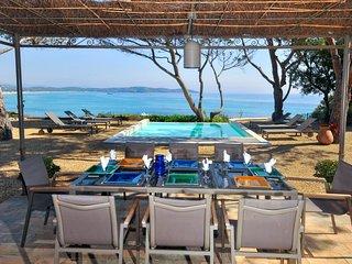 Ramatuelle Villa Sleeps 10 with Pool Air Con and WiFi - 5238447