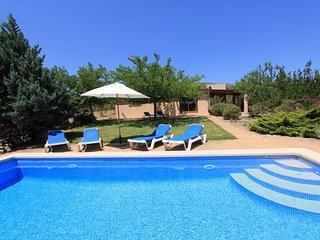 Schöne Finca mit Garten und Pool in Arta