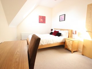 Top Floor Executive Apartment Woodbank House, Summertown