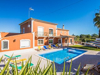 6 bedroom Villa in Boliqueime, Faro, Portugal - 5489688