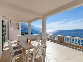 Apartments Nena - One Bedroom Apartment with Terrace and Sea View (A1)