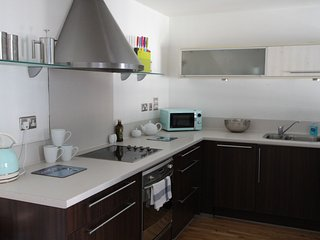 Ideal City Centre Apartment with Parking, Bristol