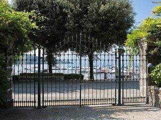 Garden residence Villa de Angeli, Laveno-Mombello